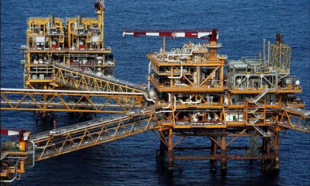 Yadana workers urge Total to stop military receiving gas revenue